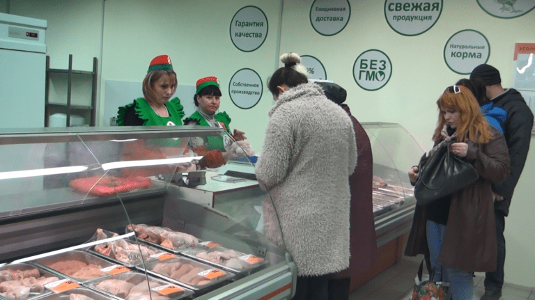 В Макеевке открылась новая торговая точка Объединения «ТД «Шахтёрская птицефабрика» (видео)