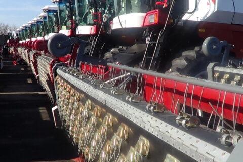 ГП «Агро-Донбасс» завершило консервацию зерноуборочных комбайнов на зимнее хранение