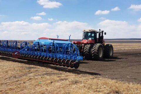 На ГП «Заря Агро» стартовала посевная кампания ранних зернобобовых культур