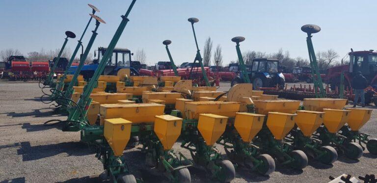Сельхозтехника ГП «Агро-Донбасс» приступила к проведению весенних полевых работ (фото)